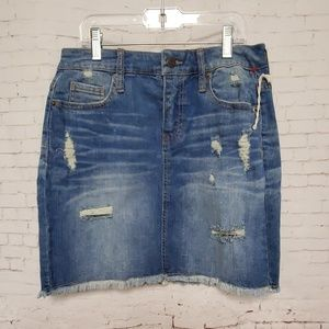 NWOT Mossimo Distressed Jean skirt #291